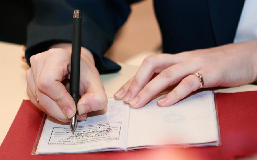 Имеет ли право отель заключать договоры с другими турфирмами