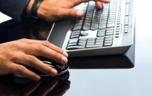 Компьютерная клавиатура и мышь